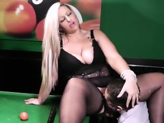 Blonde bbw in nylons gets slammed on..