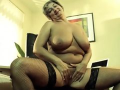 Rolande mature slut on porn casting
