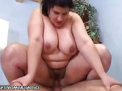 Fat older babe grinding on a cock