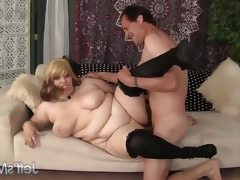 Seductive buxom bella gets her pussy..