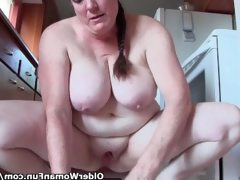 Granny with big tits cleaning the..