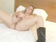 Blonde bbw playing solo