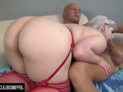 Platinum bolnde plumper gets her pussy..