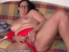 Chubby mature housewife with hairy..