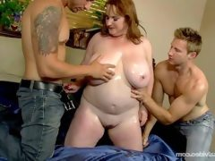 Slutty plump milf seana rae fucks her..