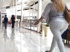 Latina milf white jeans strolling in..